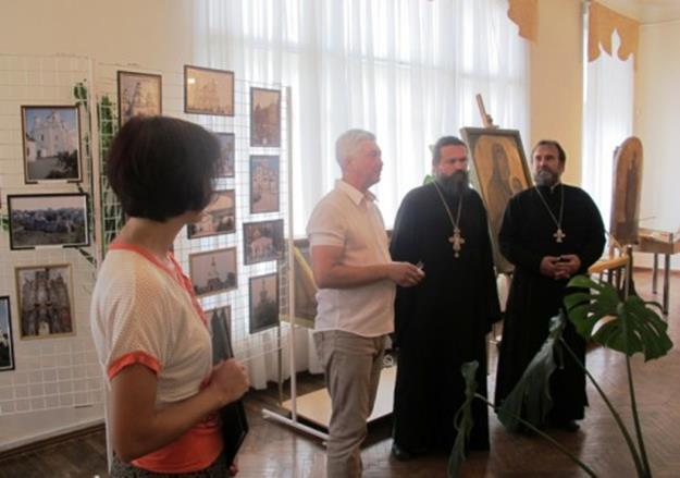 Фотовыставка «Православные храмы и праздники»